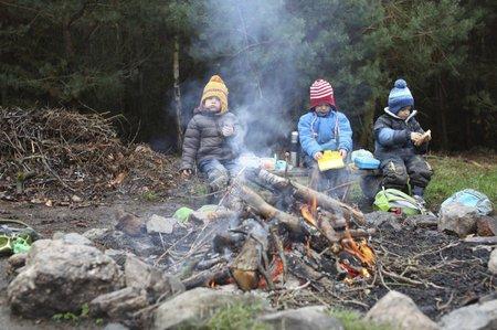 Lesní mateřské školy jsou stále oblíbenější, v Praze a okolí se jich nachází přes 40.