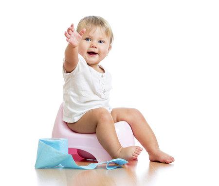 Jak naučit dítě na nočník? Nechte ho od pasu dolů nahé