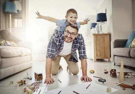 Děti s tatínky víc řádí.