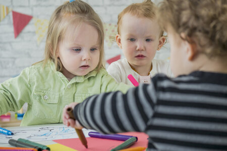 Dvouleté děti ve školce. Je to dobře, nebo špatně?