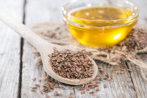 Lněné semínko pomáhá při hubnutí i nemoci. Jak ho jíst, aby opravdu fungovalo?