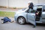 Muže přejela na Chrudimsku dvě auta, zraněním podlehl v nemocnici