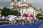 V Praze se běží maraton: Účastníci zavzpomínají na oběti teroru v Bostonu