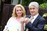 Bartošová se vdala za Rychtáře! Svatbě předcházel skandál s agresivním synem