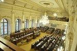 Sobotkova vláda ustála hlasování o nedůvěře: Babiš označil opozici za zoufalou