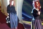 To je ale HRŮZA! Milionářka z Hlasu bez bot a s účesem à la malá čarodějnice!