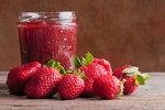 Třešňová nebo jahodová marmeláda: Jak na ni, bez cukru a bez chemie