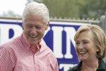 Clintonovi se zapotí: FBI prošetřuje jejich nadaci kvůli korupci