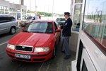 Návrat policie na hranice je nemožný, ve služebnách jsou směnárny a prodejci cetek