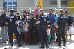 42 uprchlíků se mačkalo v chladícím voze, objevila je rakouská policie