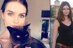 Krásku, která utopila před 5 lety foťák v Krumlově, hledal celý internet: Našla se, je to Australanka