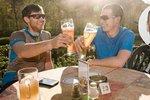 Pivní maratony, víno farářů a pitevna. Poslanci řešili toleranci alkoholu