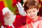 """""""Kupuji průběžně od září. Synovi bude pět, dostane několik hraček, knížek, povlečení, nějaké oblečení .... Limit nemám, ale bývají to tak tři tisíce ode mě a ještě dostane něco od babiček. Jsou přece Vánoce."""""""