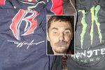 U plzeňských kolejí ležel mrtvý muž v dece. Policisté se snaží zjistit jeho totožnost