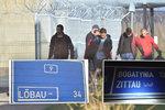 Uprchlíky směrují do Německa arabské nápisy na českých značkách