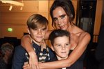 Victoria Beckham podpořila svého syna na premiéře, a dokonce se i usmála!