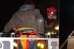 Hasiči zachraňovali sebevraha z vrcholu vysokého bruntálského komína teplárny