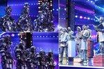 V Talentu soutěží roboti, oživlé sochy i sklenění tanečníci!