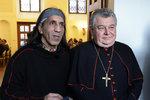 Duka hostil bezdomovce: Církev má pochopení, snažte se ale vrátit k rodinám