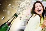 Jak si pořádně vychutnat »bublinky«? Vadí skleničky myté v myčce i rtěnka! Odborník řekl proč!