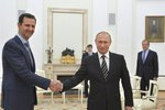 """Putin: Sýrie potřebuje novou ústavu. A nabídl """"pomoc"""" dalším zemím"""