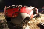 Po nehodě s cisternou na Kroměřížsku z osobáku nic nezbylo: Řidič nepřežil