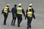 Zákaz stíhat uprchlíky! Bild odhalil policejní skandál v Německu