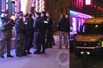 Válka gangů v Praze? 25 útočníků napadlo doupě hříchu, 50 policistů se samopaly na místě!
