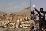 Záběry zkázy Palmýry. Takto ISIS poškodil a zaminoval starobylé město