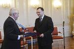 Prezident Zeman přijal expremiéra Nečase. Poděkoval mu za byznys s Čínou