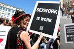 Ve Francii vytrestali za placený sex na tisíc klientů. Prostitutky se bouří