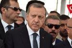 """Turecko hrozí EU vycouváním z dohod. Evropany obviňuje z """"dvojího metru"""""""