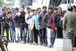Do Merkelové šijí za nezvládnuté deportace. Ochrana českých hranic posílí