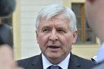 Vládce intervencí Rusnok: Za rok si vydělal přes 3 miliony čistého