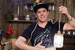 Stylová lampa za pár korun! Láďa Hruška ji snadno vyrobí ze zavařovací sklenice!