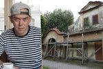 Kuchtík Láďa Hruška utrácí: Za miliony z kuřecích kůžiček si pořídil barabiznu!