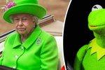 Jen zelená to může být: Královna Alžběta II. na oslavě svého jubilea vypadala jako rosnička