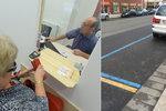 Úřednící v Praze 6 slibovali: Pro parkovací kartu jen jednou! Paní Hana: Já musela třikrát