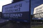 Kdo má větší důvěru než Zeman? táží se billboardy. Recesisté: I baron Prášil