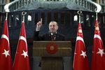 Erdogan opět vydírá: Pokud nám EU nezruší víza, uprchlická dohoda padá
