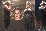 Užaslá Adele: Zpěvačka vytáhla na pódium fanynku, netušila, že je to zpěvačka nominovaná na cenu Grammy!