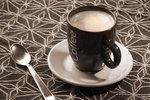Psychologický test: Zamíchejte si kávu či čaj a koukněte, co o vás prozradí lžička!