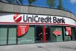 """Klienti UniCredit Bank šílí, nemají bankovnictví. """"Kupte mi plíny a sunar,"""" vzkazují"""