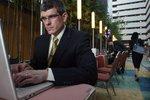 Manažeři mají mít ze zákona plat nejméně 75 tisíc. Odbory i firmy jsou v úžasu