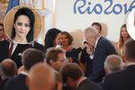 Bílá kope za otvovický kulturák na nejvyšších místech: Chtěla »tlačenku« od Miloše Zemana!