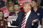 Trumpa zvolí prezidentem? Předběhl opět Clintonovou, tvrdí volební průzkumy