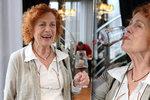 Iva Janžurová se toho v 75 nebojí! Na degustaci vína zářila jako mladice