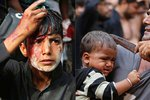 Muslimové řežou děti hlava nehlava: Krvavý svátek připomíná smrt vnuka proroka Mohameda