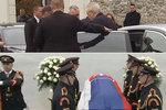 Trapas české delegace: Prezident Zeman přijel pozdě na státní pohřeb Kováče