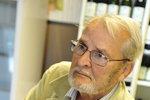 Major Zeman (†83) bojoval o život: Zkolaboval na Václaváku, 20 minut ho oživovali dva kolemjdoucí